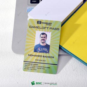 in thẻ nhân viên 22