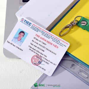 in thẻ nhân viên 21