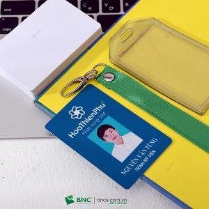 in thẻ nhân viên 17