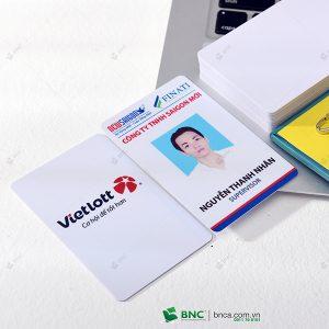 in thẻ nhân viên 16
